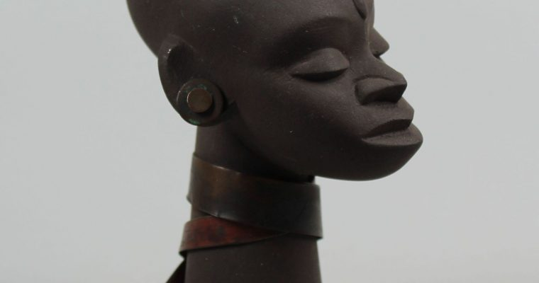 Ravelli 1950's buste of African lady
