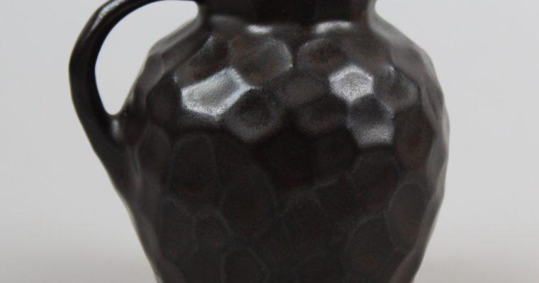 Katwijk Aardewerkfabriek small art deco vase