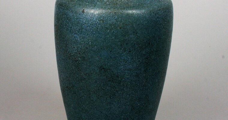 Olga Oderkerk art pottery vase