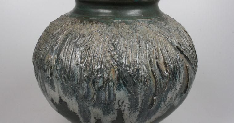 Iet Cool-Schoorl studio pottery vase
