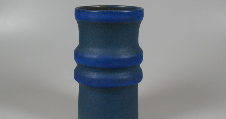 Henny Radijs blue vase 1971